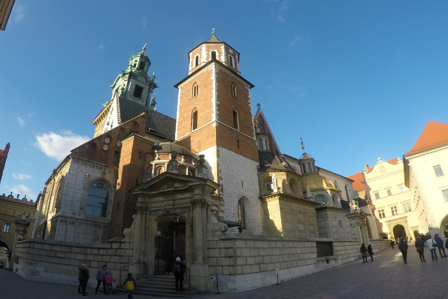 The Royal Archcathedral Basilica of Saints Stanislaus and Wenceslaus, more commonly know as Wawel Cathedral. It's located on top of Wawel Hill, Kraków. Source: Jerome Glavin.