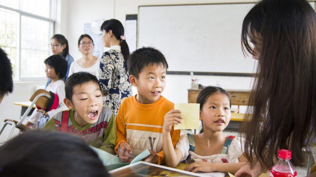 teaching class 1024x575 - How to be a Better English Teacher