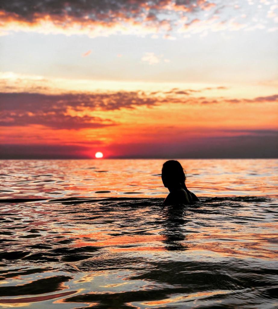 Sun set 923x1024 - Colorado   ➡️ Chaiyaphum   - Brittany Speigelberg Interview