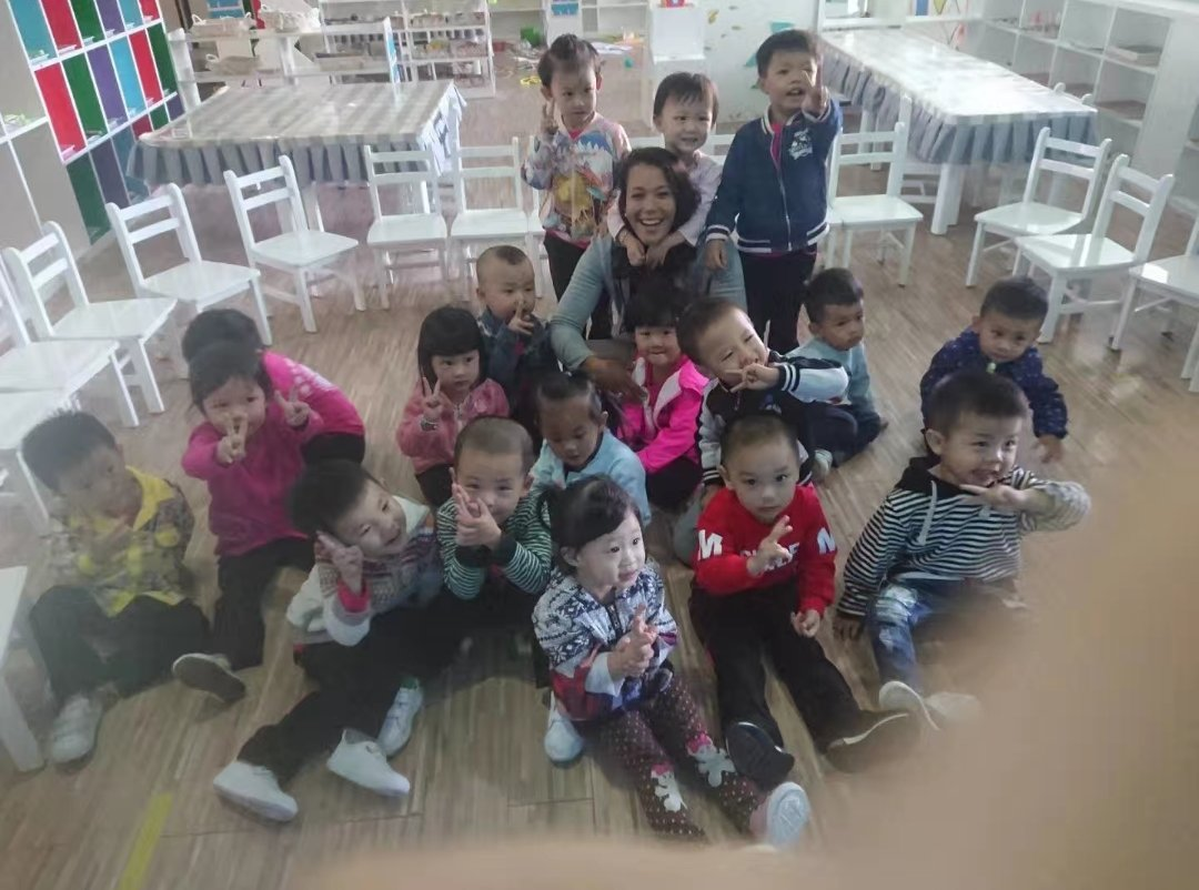 Penelope teaching in china - Life after COVID-19; Penelope boosts her salary with TEFL 🌏