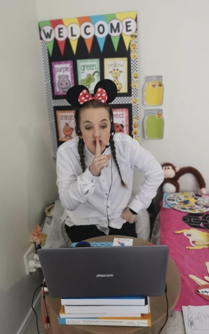 Melissa in her virtual English classroom