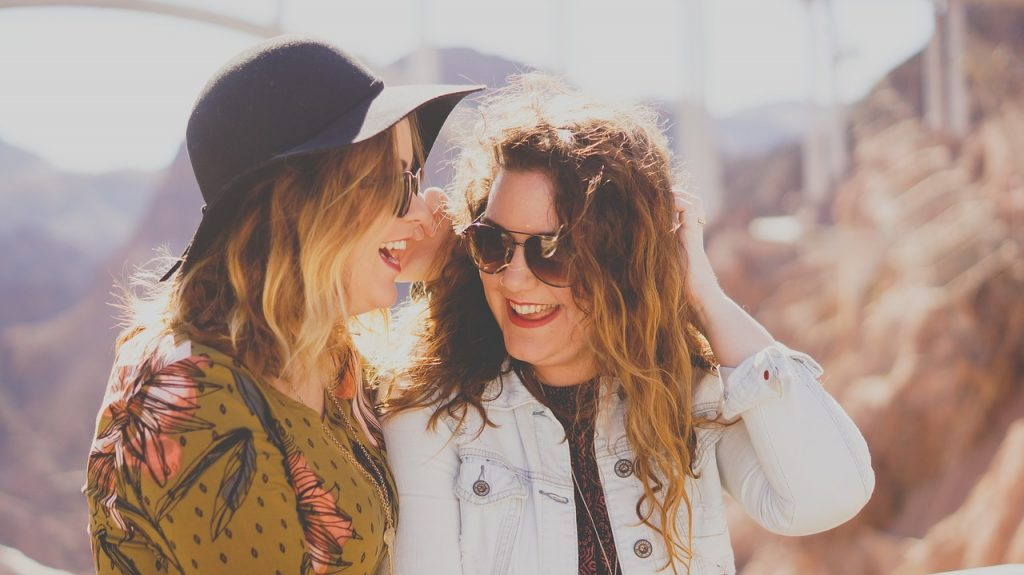 2 Girls smiling travel TEFL sun